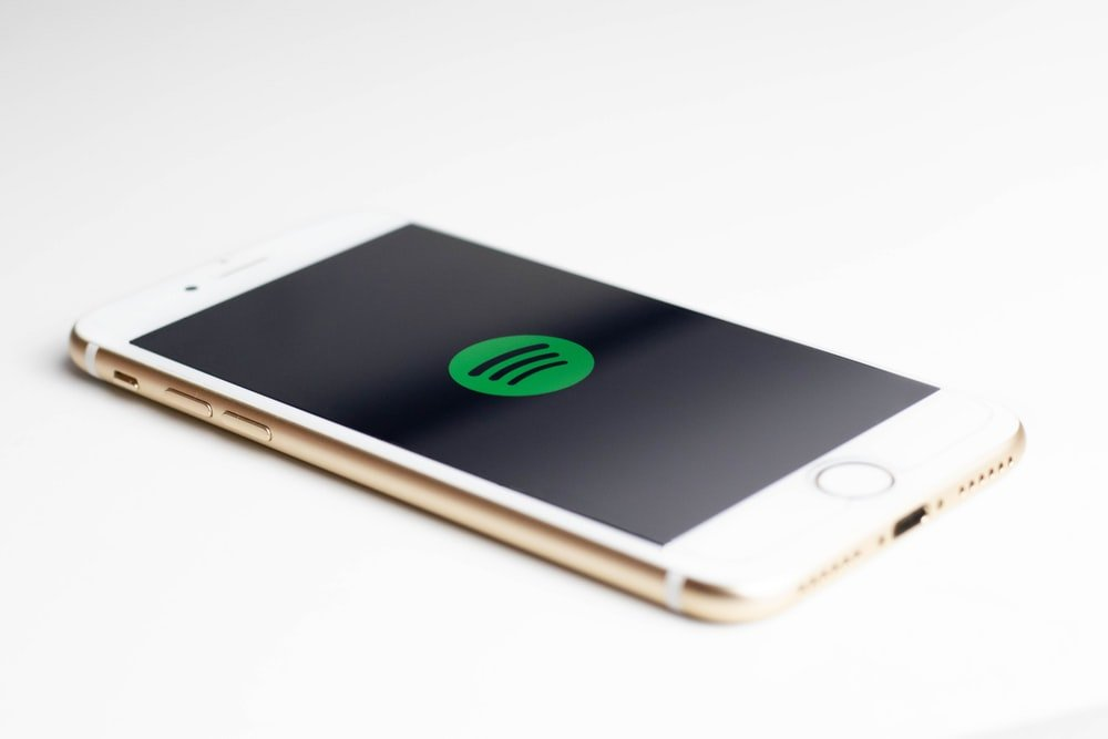 spotify not working on iPhone 7