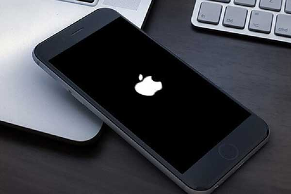 iphone-stuck-on-apple-logo