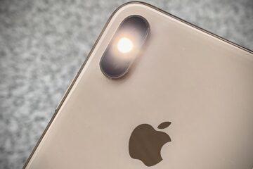 Flash light on iPhone